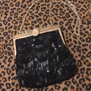Vintage Beaded small handbag w/Gold Clasp& chain